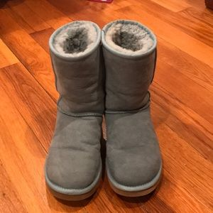 Ugg light blue medium height boots.